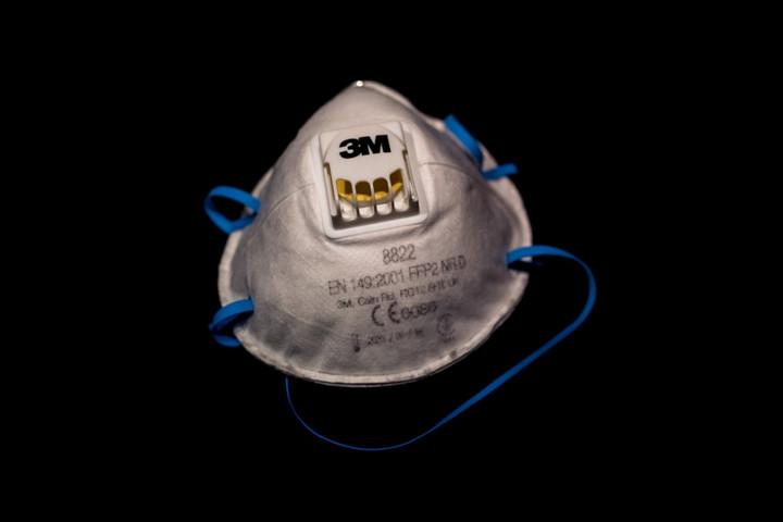 A kormány vám- és áfamentességet kért a szájmaszkok, a lélegeztetőgépek behozatalára