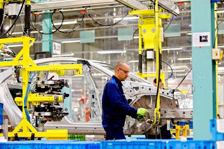 A várakozásokat meghaladóan növekedett év elején az ipar