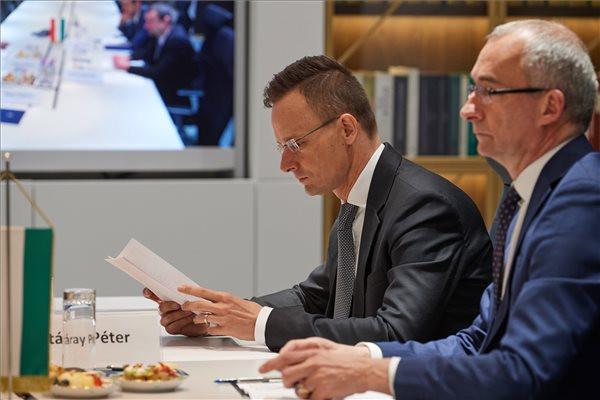 Szijjártó: Tovább dolgozunk a kárpátaljai magyarok helyzetének megoldásán