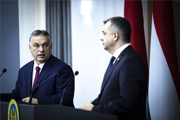 Orbán: Az EU-nak is érdeke a stratégiai partnerség Moldovával