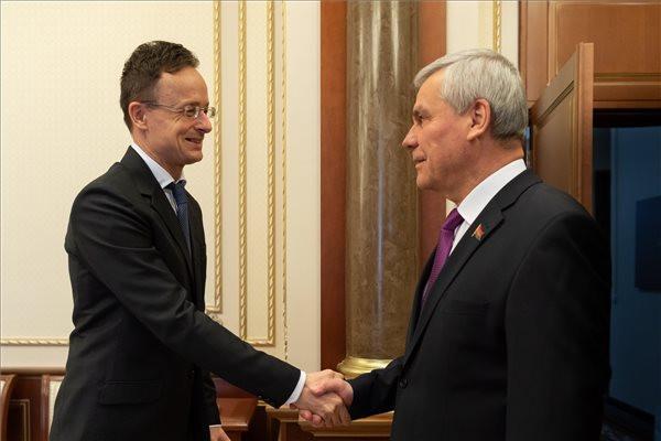 Szijjártó Péter: Szorosabb együttműködés kell az Eurázsiai Gazdasági Unióval