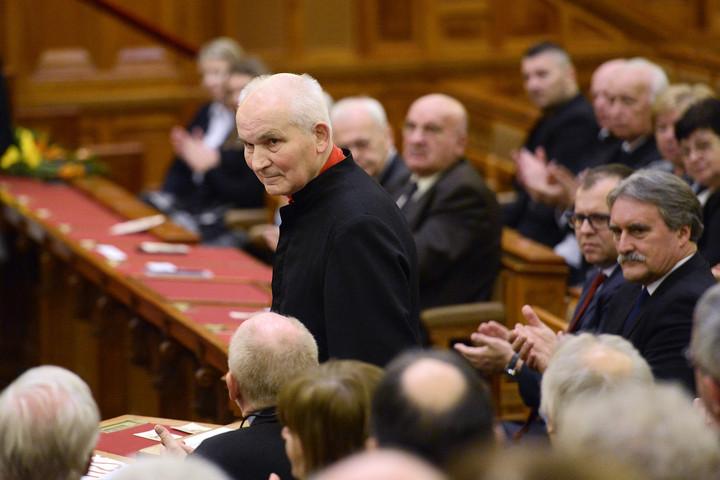 Gulyás: Esterházy János öröksége egyszerre egyetemes és nemzeti