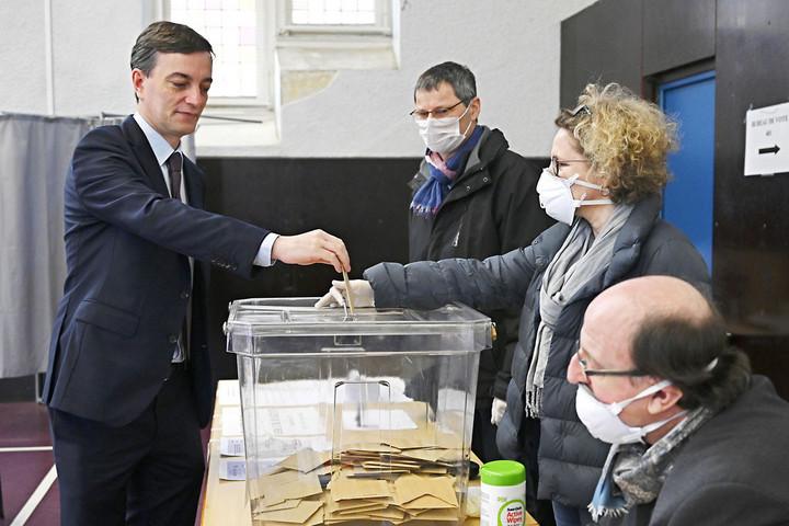 Választás koronavírus idején: alacsony francia részvétel