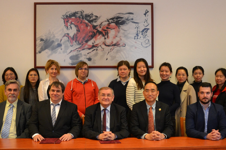 Együttműködés az ELTE Konfuciusz Intézet és a Lakiteleki Népfőiskola között