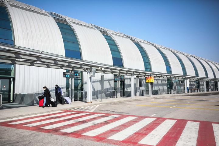 A tagállamoknak támogatniuk kell a légi áruszállítás folytonosságát