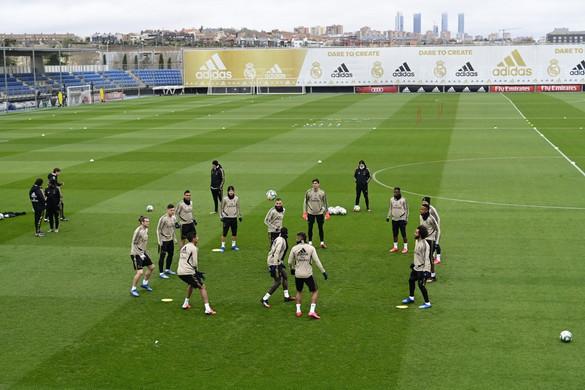 Karantént rendeltek el a Real Madridnál, felfüggesztették a spanyol bajnokságot