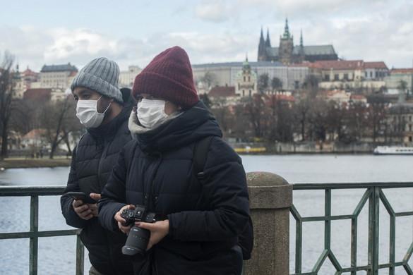 Szükségállapotot hirdetett a cseh kormány a járvány miatt