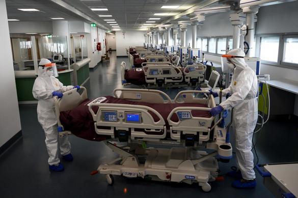 Még mindig hétszáz felett van Olaszországban a naponta elhunytak száma