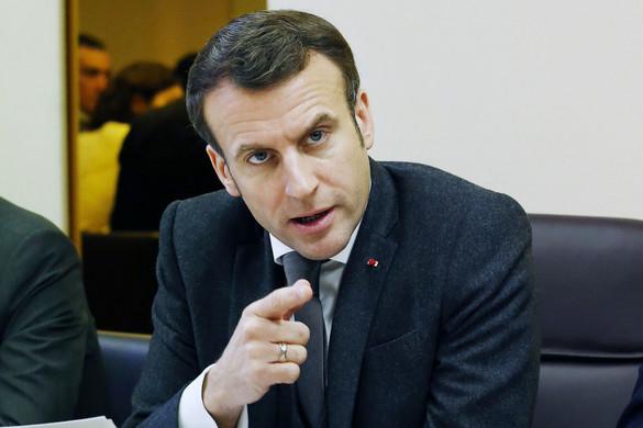 Franciaországban hétfőn minden iskola bezár
