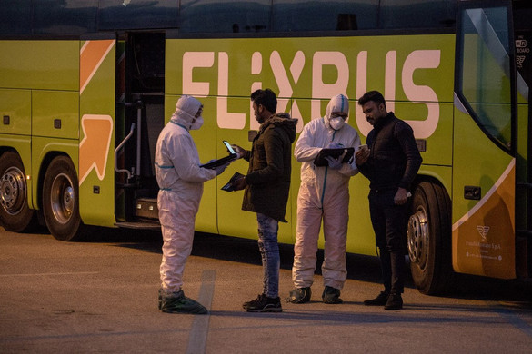 Csak engedéllyel lehet elhagyni az észak-olaszországi karanténzónákat