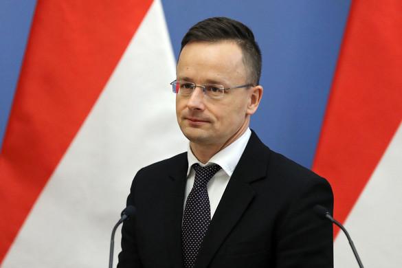 Szijjártó: Minden külföldön rekedt magyar segítséget kap a hazajutásban