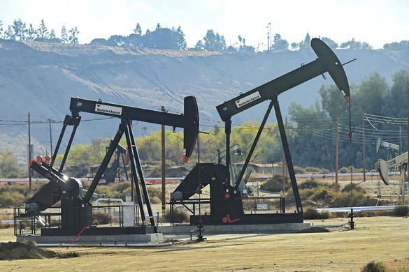 A szaúdi árháborúra bezuhant az olaj ára