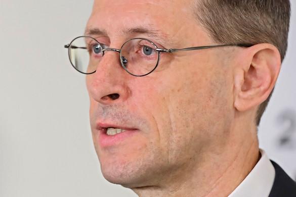 Varga Mihály: A koronavírus elleni küzdelem minden gazdasági törekvést felülír