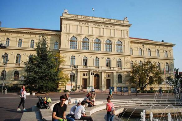A Szegedi és a Pécsi Tudományegyetem is a modellváltás mellett döntött
