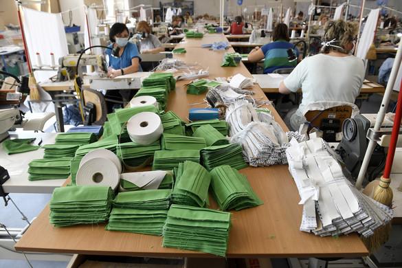 Egészségügyi maszkokat gyártanak a megváltozott munkaképességűek