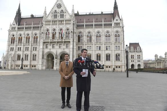 Fidesz: Most nincs ideje pártpolitikai vitáknak
