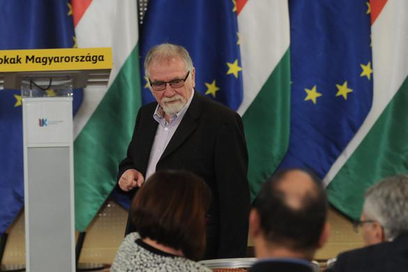 Gusztustalan: a magyar nyugdíjasok halálával viccelődött Vágó István