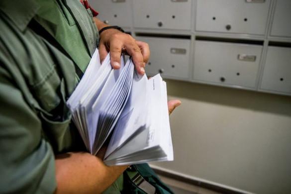 Minden postai dolgozó megkapta a szükséges védőfelszerelést, folyamatos a kézbesítés
