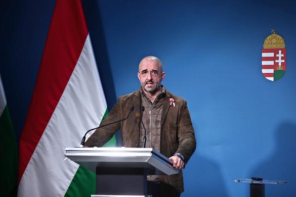 Kovács Zoltán: A miniszterelnök ma jelenti be a vírus elleni védekezés további lépéseit