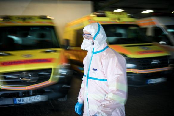 Hatvan speciális mentőegység dolgozik a koronavírus-gyanús betegek ellátásán