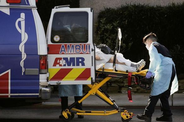 Az Egyesült Államokban meghaladta a kétezret a halálos áldozatok száma