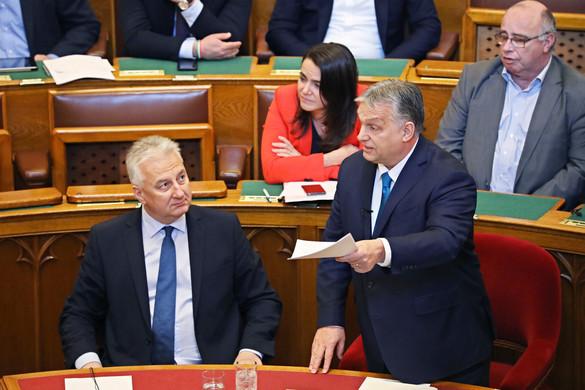 Orbán: Legyen legalább olyan jó következő tíz évünk, mint amilyen az előző tíz volt