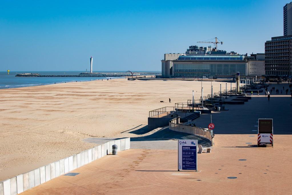 Belga tengerparti látkép Oostendénél