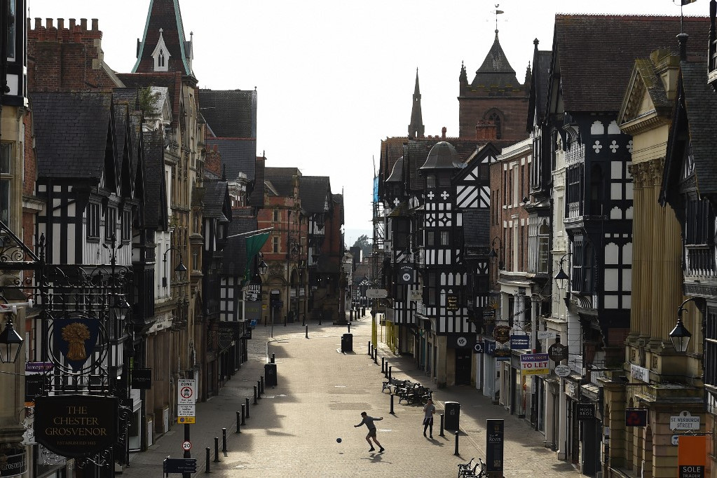 Utcai foci az angliai Chester városában