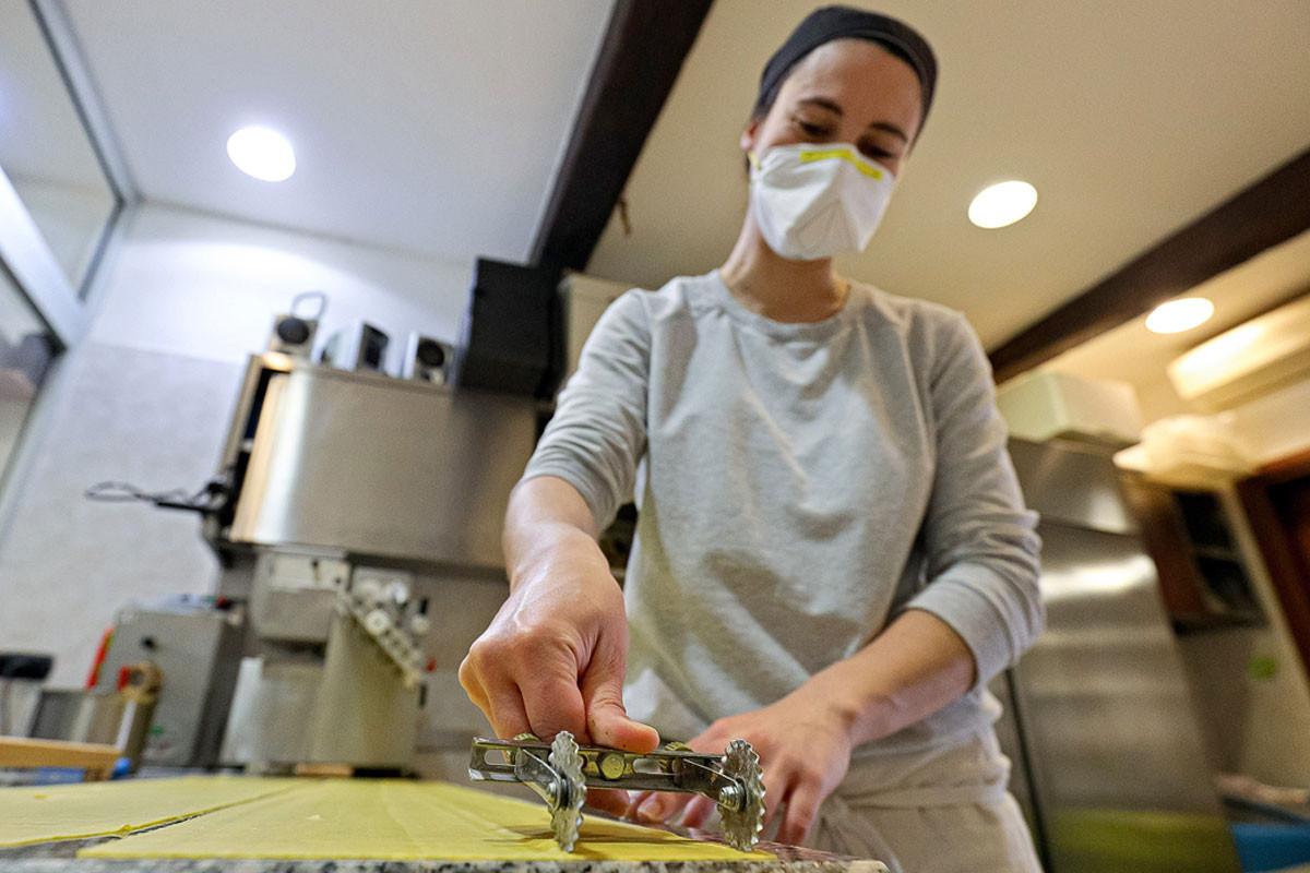 Az olasz kézműves tésztagyártás sem áll le