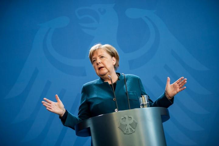 Merkel: Még nem lehet tudni, mikor kezdhetjük meg a korlátozások visszavonását
