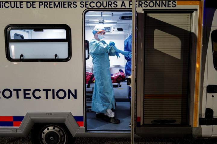 Tízezer fölött a halottak száma Franciaországban