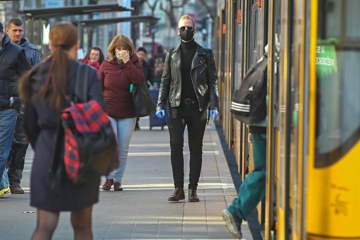 December közepéig a lejárt okmányokat is elfogadják tömegközlekedéskor