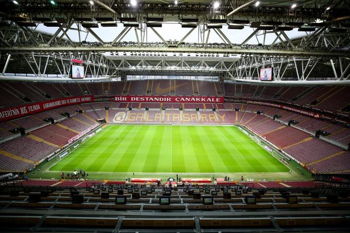 Júliusban folytatódhatnak az európai focibajnokságok