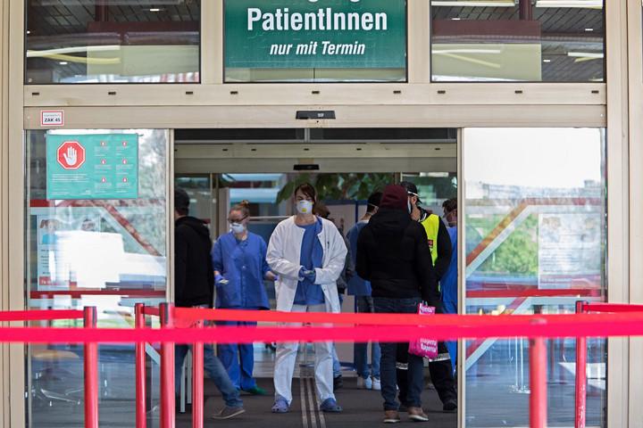 Tanulságos az osztrák példa a kezdeti hibák és késlekedések miatt