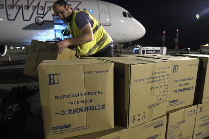 Kína támogatja Magyarországot a védőeszközök beszerzésében