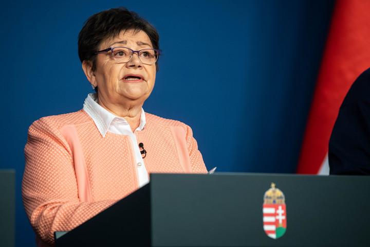 Müller Cecília: Tovább kell bővíteni az ellátórendszert