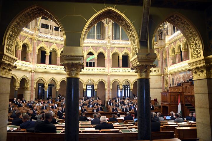 Megjelent a veszélyhelyzet visszavonásáról szóló törvényjavaslat