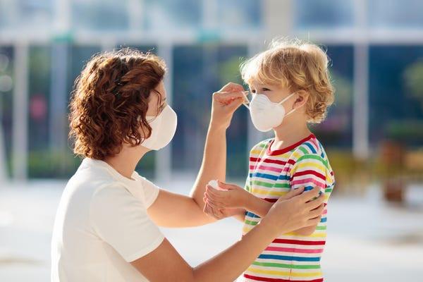 Továbbra is indokolt a járványügyi megelőző szabályok fokozott betartása