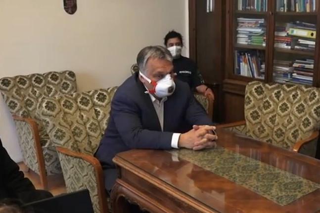 Orbán Viktor a Pulmonológiai Intézetbe látogatott
