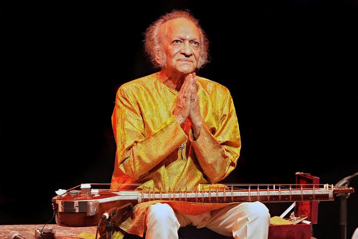 """Ravi Shankar szitárművész, """"India nemzeti kincse"""" születésének centenáriumát ünneplik világszerte"""
