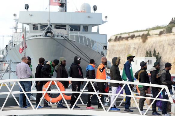 Olaszország után Málta is lezárta kikötőit a migránsokat szállító hajók előtt