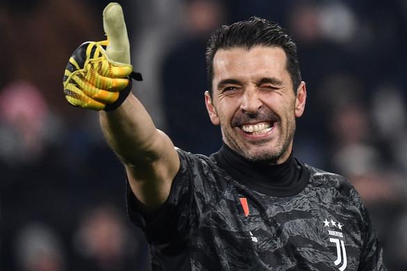 Buffon még egy évet biztosan marad a Juventusnál