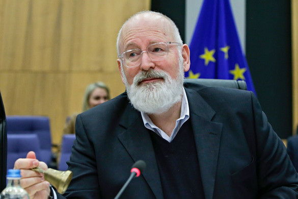 Így befolyásolják a liberális NGO-k az Európai Bizottság munkáját