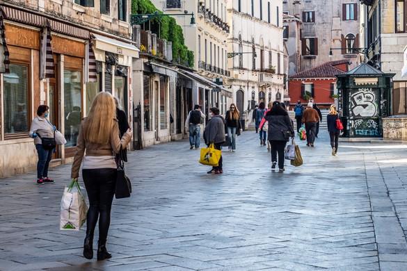 Négy szakaszban indul újra az élet Olaszországban