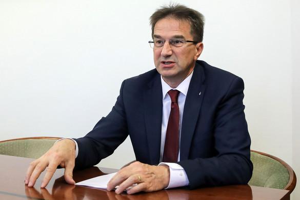 Völner: Ámokfutást folytat az ellenzék