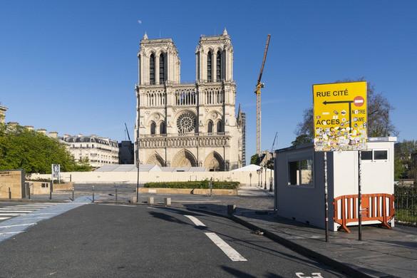 Élőben közvetítik a töviskoszorú imádását nagypénteken a Notre Dame-ból