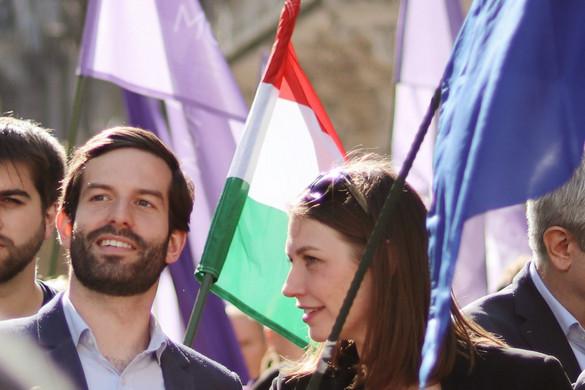 A magyarellenes és a káoszt okozó politikusaival büszkélkedik Fekete-Győr András