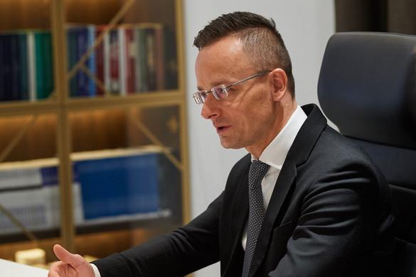 """""""Hazugságokat terjesztenek a magyar koronavírus-törvényről"""""""