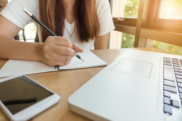 Harminc napra ingyenes lesz az internet a digitális oktatásban részt vevőknek