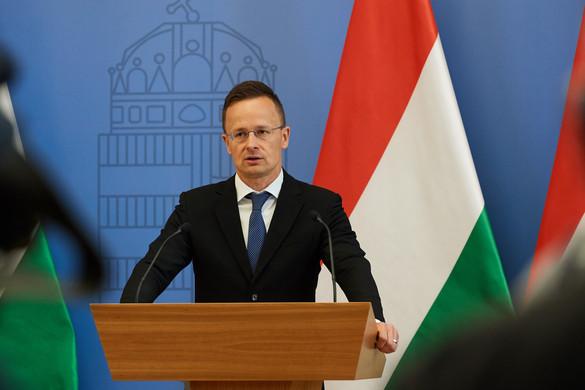 Szijjártó Péter: Több tiszteletet a magyaroknak!
